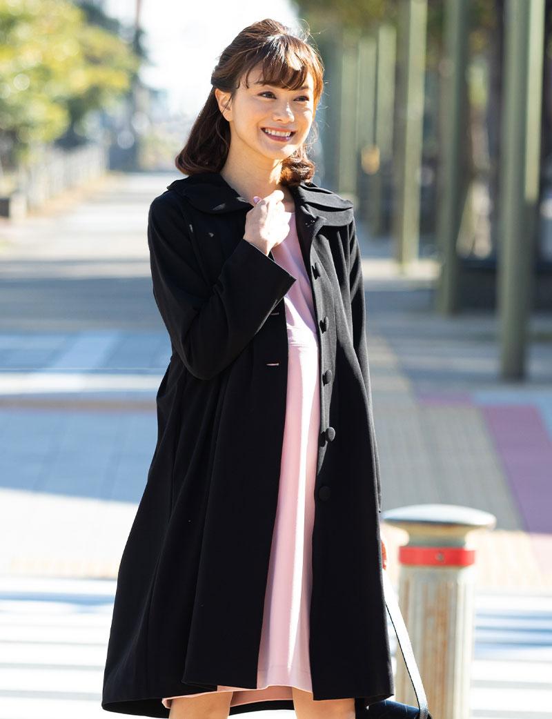 フェミニンで女性らしいママコート