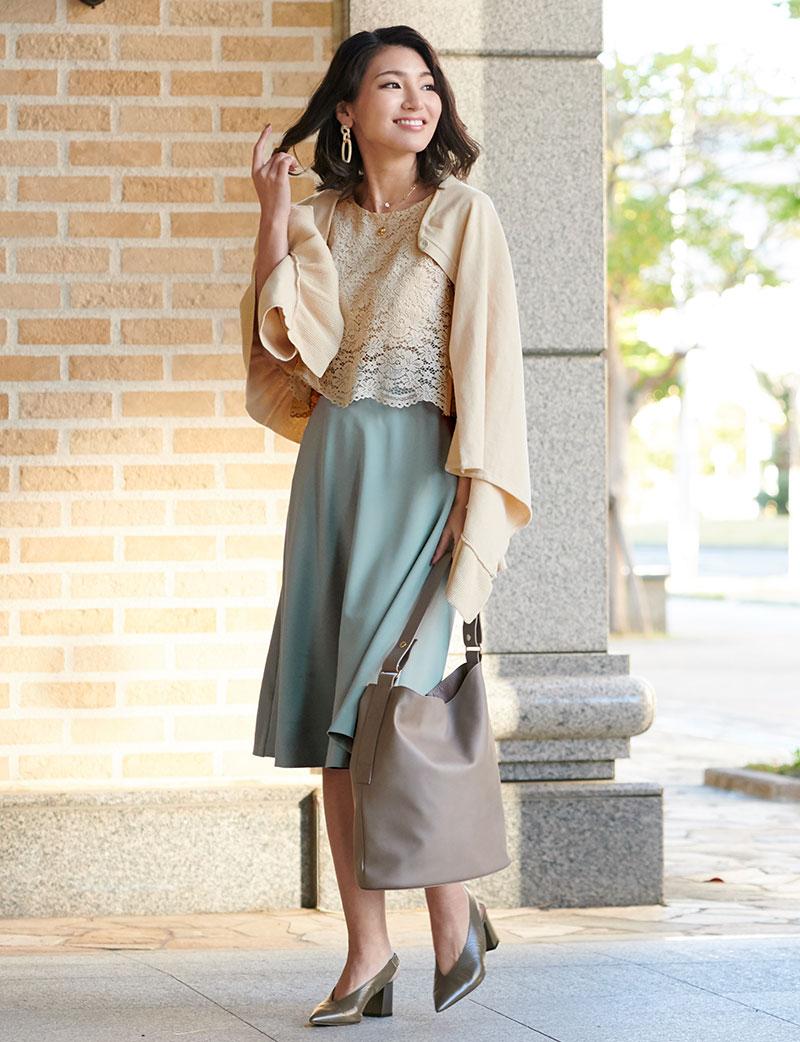 高見えするカットジョーゼット素材のスカート