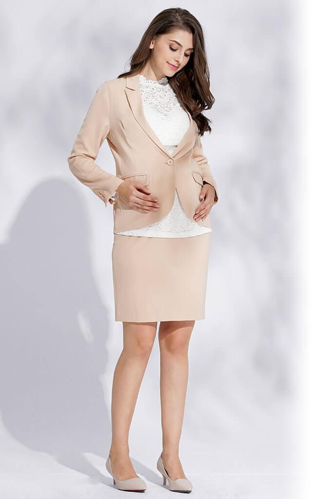 妊娠中から産後まで活躍するママスーツ