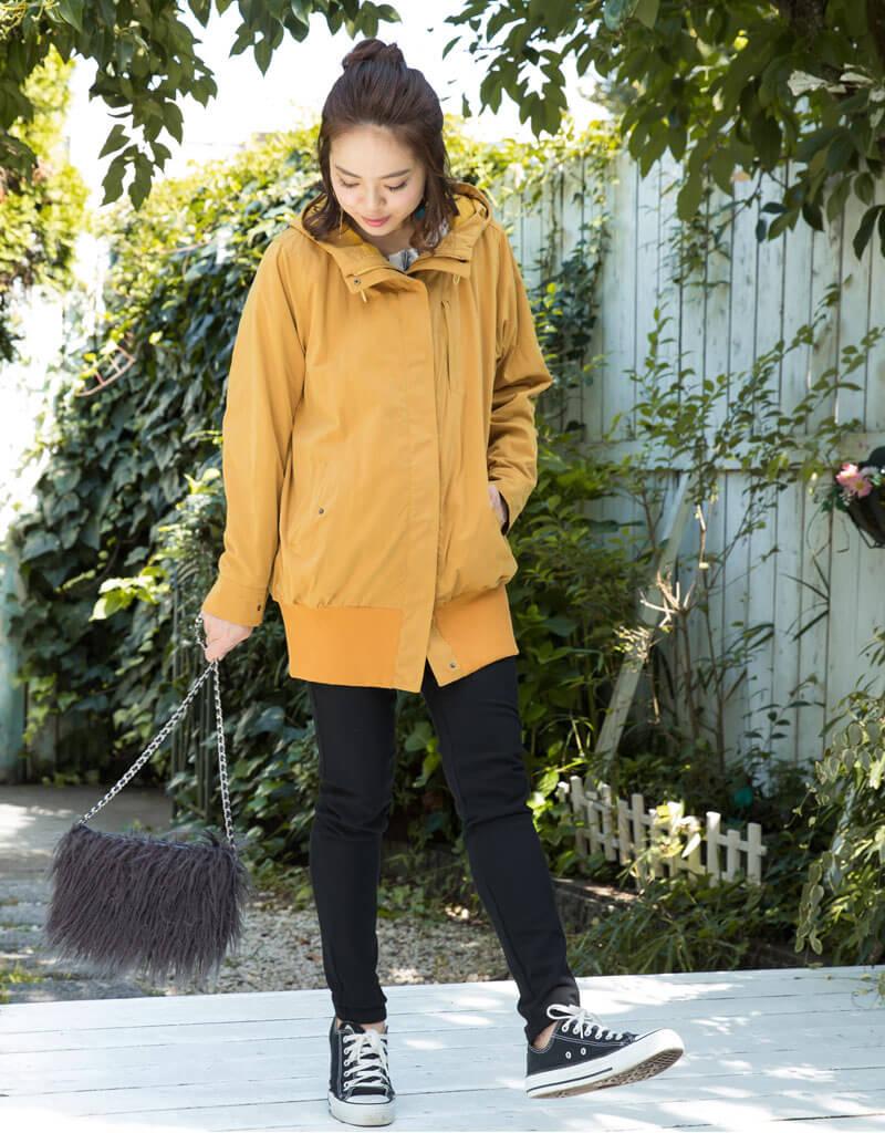 裾リブが大人かわいいモッズママコート