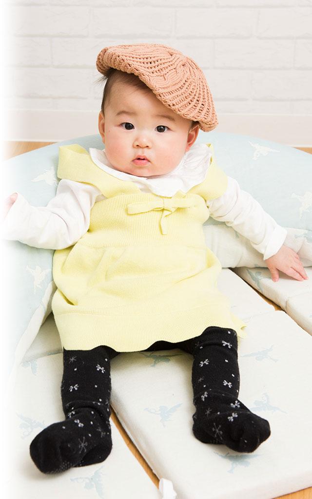 イエロー着用イメージ7ヶ月 赤ちゃんの身長は69.7センチ