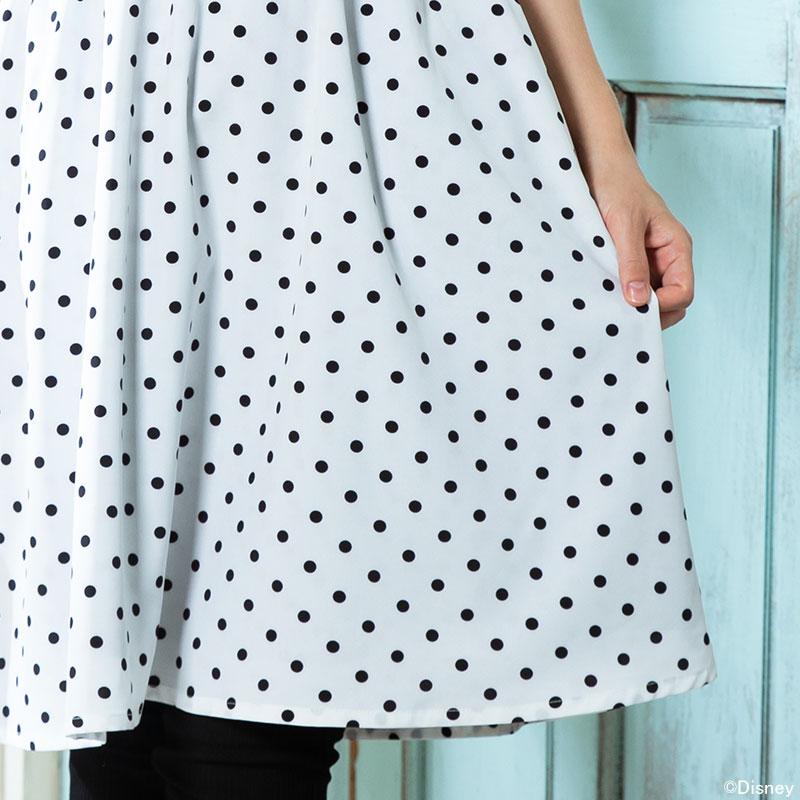 ドット柄の大人可愛いスカート