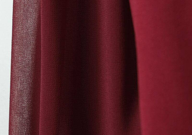 お袖は透け感のあるシルク風シフォン素材。