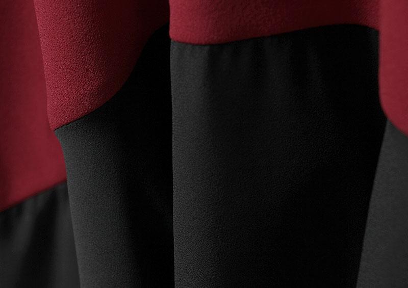 裾のシフォンは、透けにくくマットな素材感。