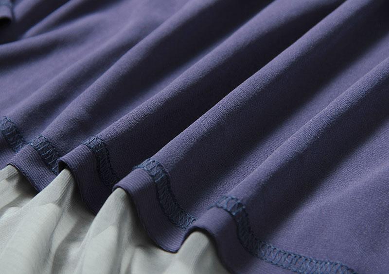 カットソーと同素材のスカート