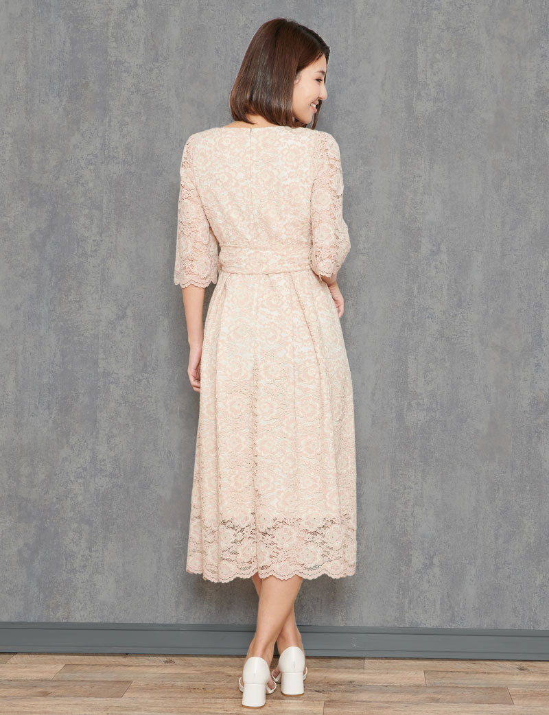 心総レース授乳ロングドレス ピンクベージュ バックスタイル