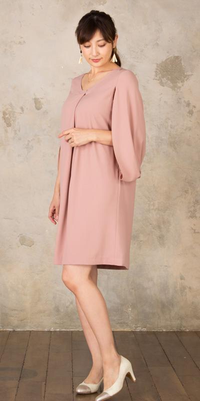 授乳服に見えないおしゃれなデザインだけど、実は便利で機能性もばつぐん