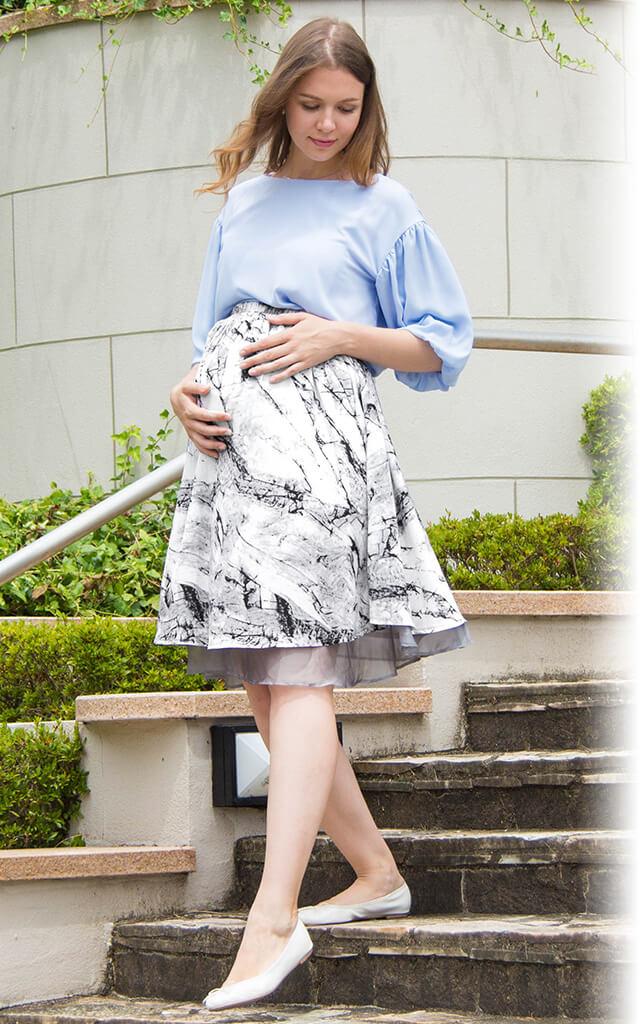 妊娠中もおしゃれなスカートが履ける!マタニティウェア