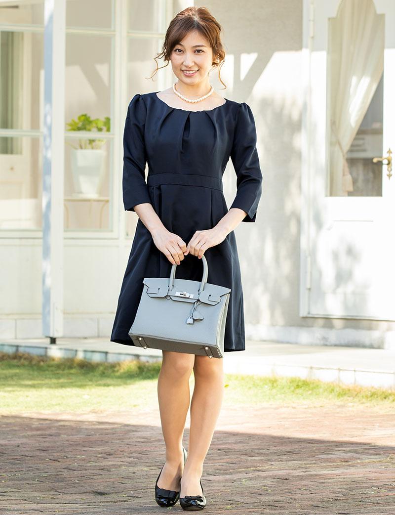 産前産後長く着られる上品で上質な授乳服ドレス