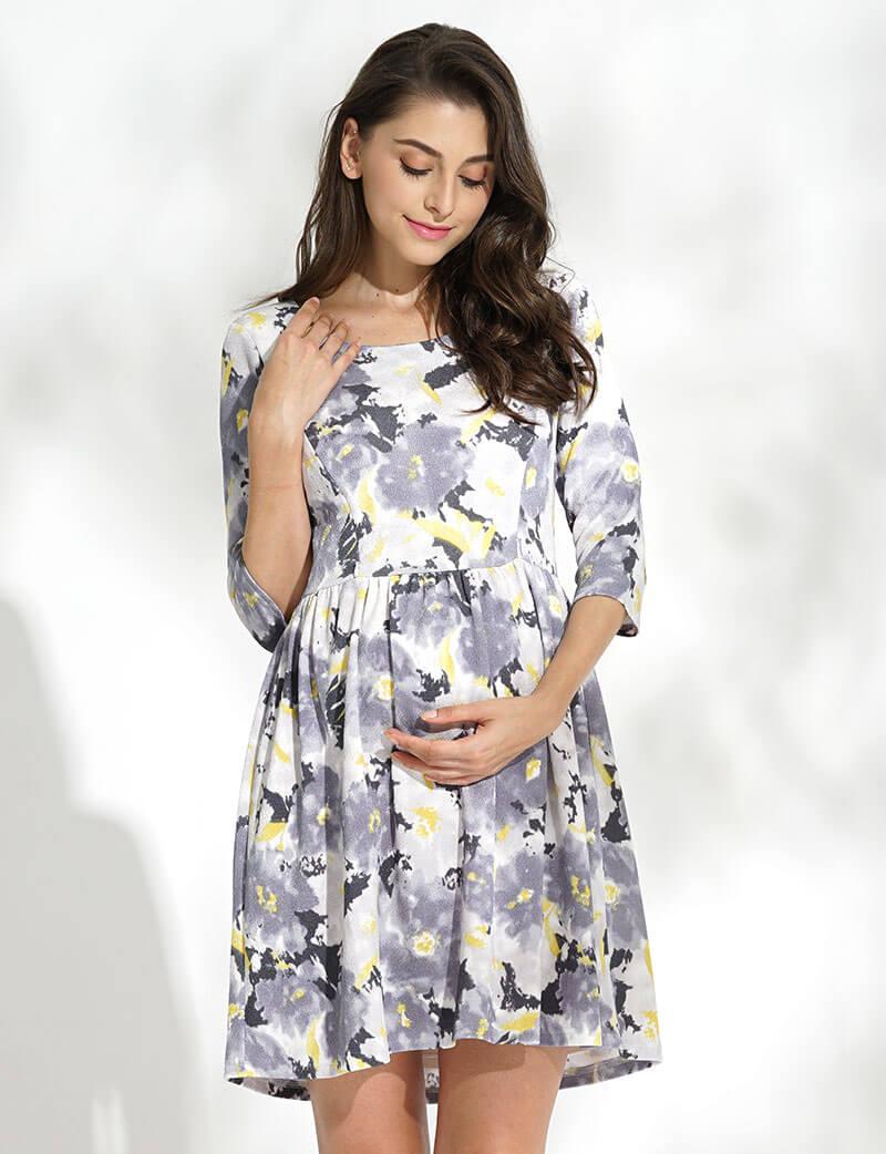妊娠中からおすすめのマタニティドレス