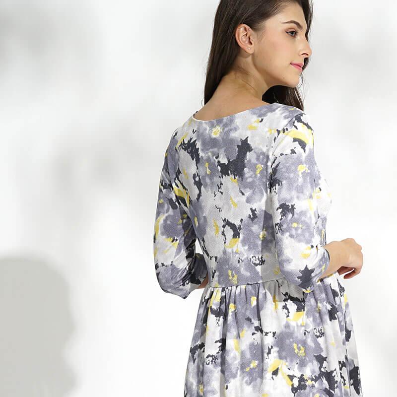 背中まで美しい授乳服ドレス
