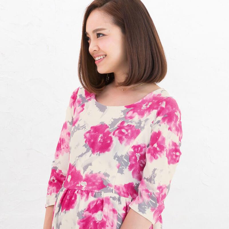 明るく華やかなフォーマル授乳服ドレス