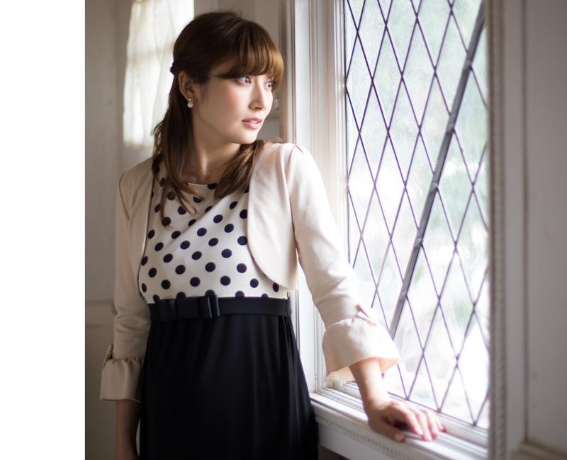 女性らしく華やかな雰囲気を叶えるフォーマル授乳服ドレス