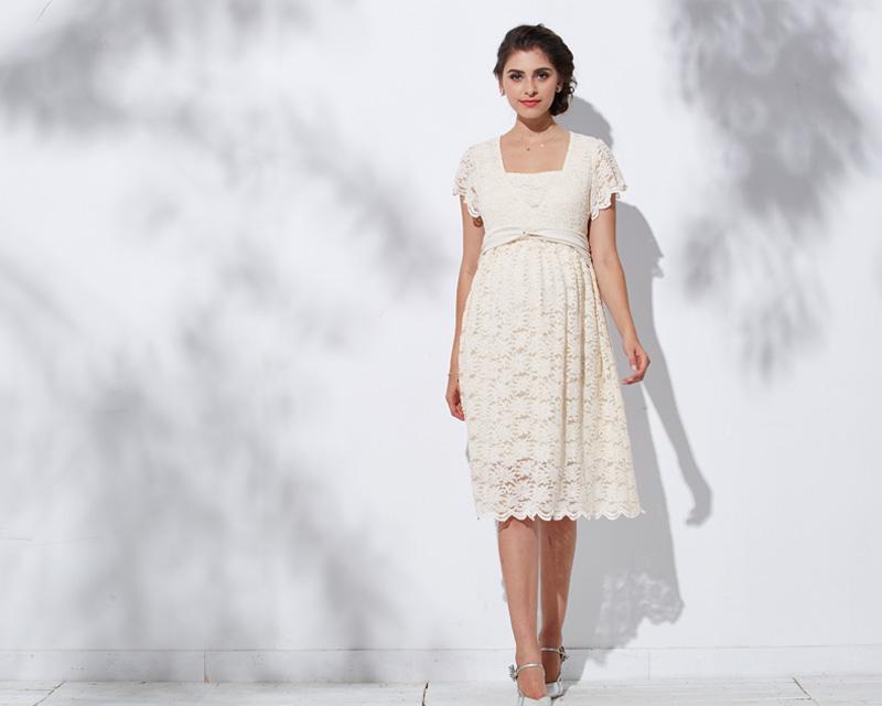 上品な色合いで華やかさをます授乳服ドレス