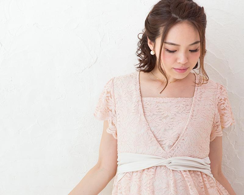 美しいデコルテラインを叶える授乳服ワンピース