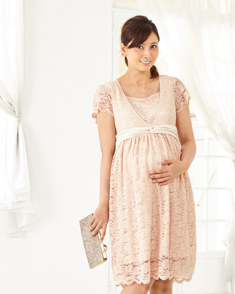 妊娠中もかわいくおしゃれな授乳服ドレスでおでかけ