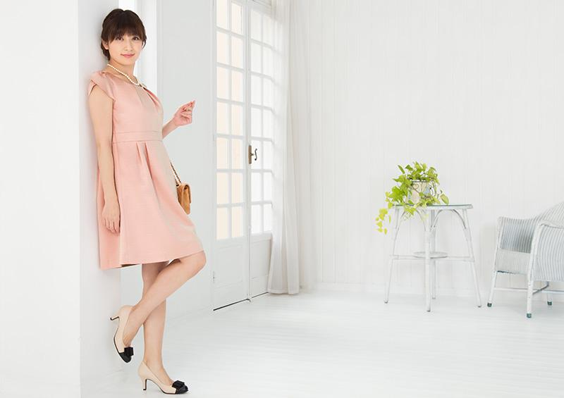 女性らしい上品な授乳服ドレス