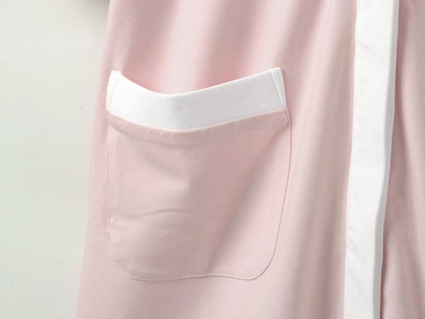 便利な大きめポケット