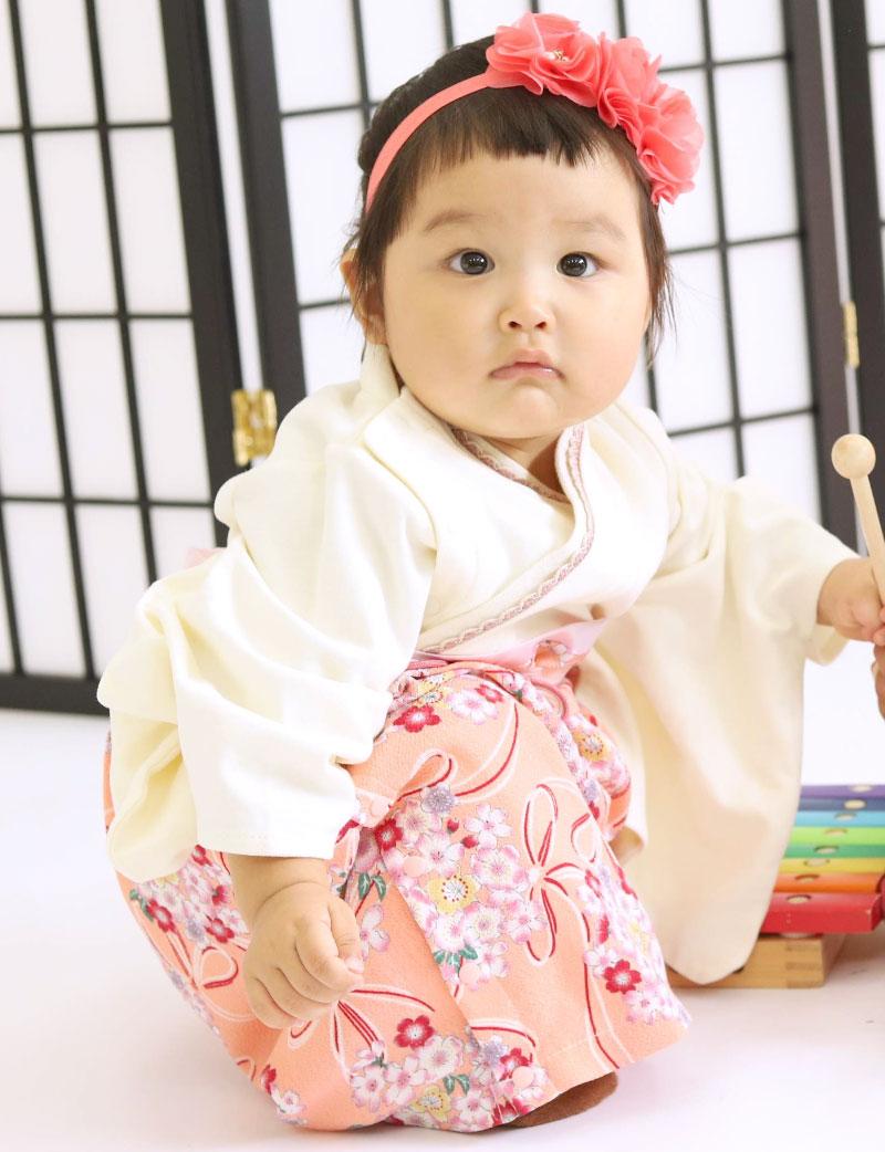 豊富なカラバリ 袴ロンパース グリーン 女の子着用イメージ