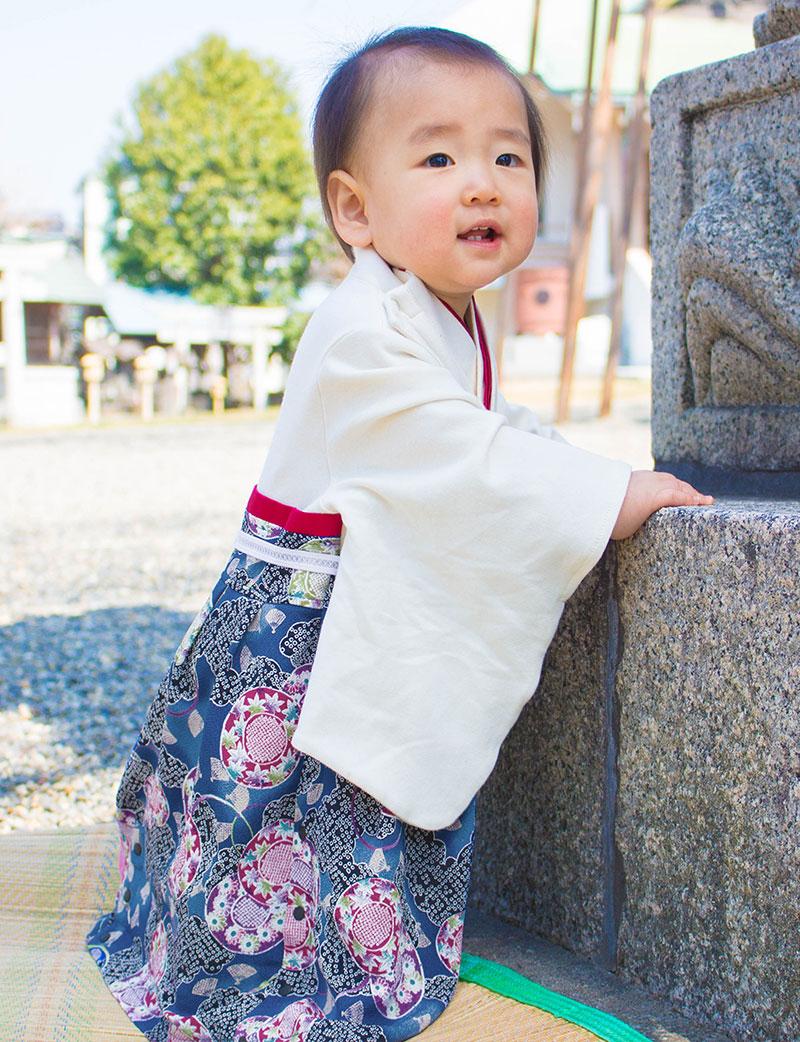 赤ちゃんの素肌にあたる部分には、オーガニックコットン100%素材を使用しているので、とっても優しく安心安全、しかも快適な着心地。
