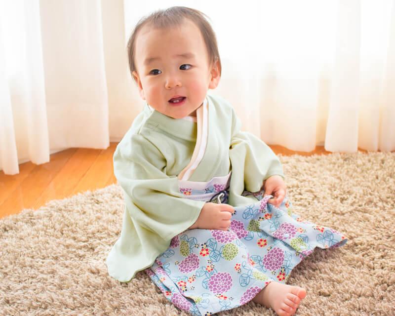 他にない2WAY仕様、新生児にも安心、着せやすい