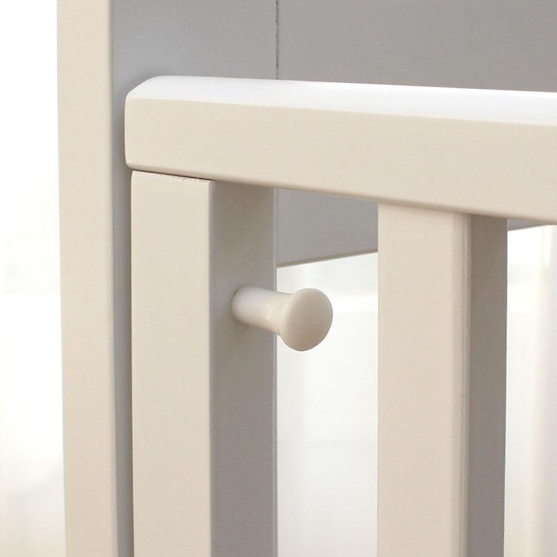ベビーベッドの安全性 スライド開閉扉はロック金具付きで安心安全!