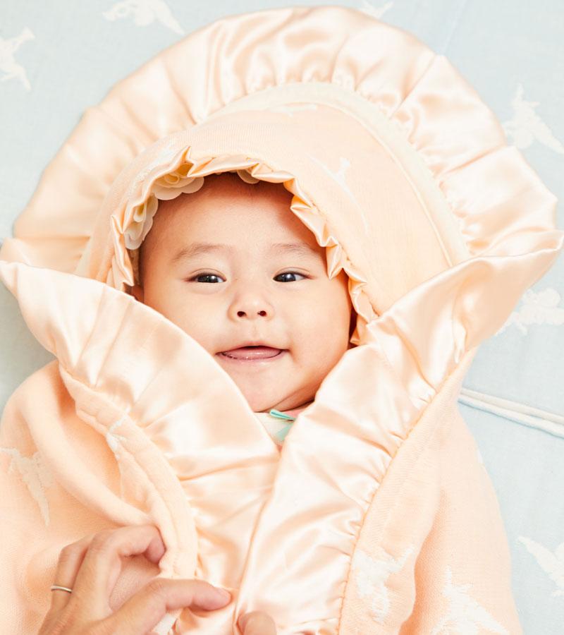 包まれた赤ちゃんもとっても可愛く華やか