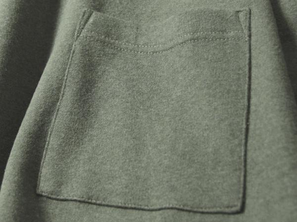 便利なポケット付き