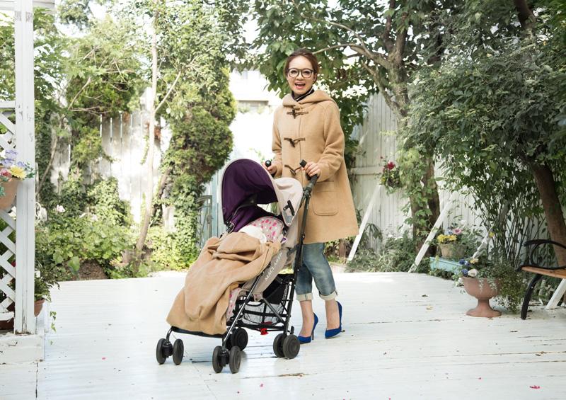 赤ちゃんとのお出かけがより楽しく!ダッフル風ママコート