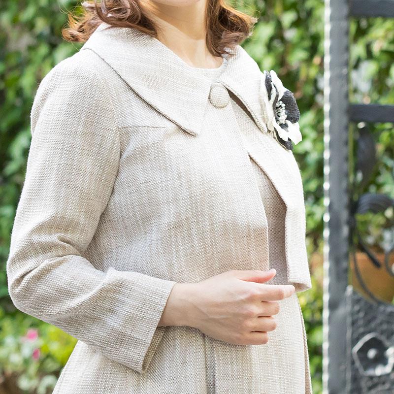 フォーマルなツイードアンサンブルの授乳服 授乳口アップモデル画像