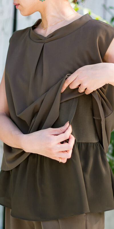 差っとめくってすぐ授乳ができる授乳服トップス