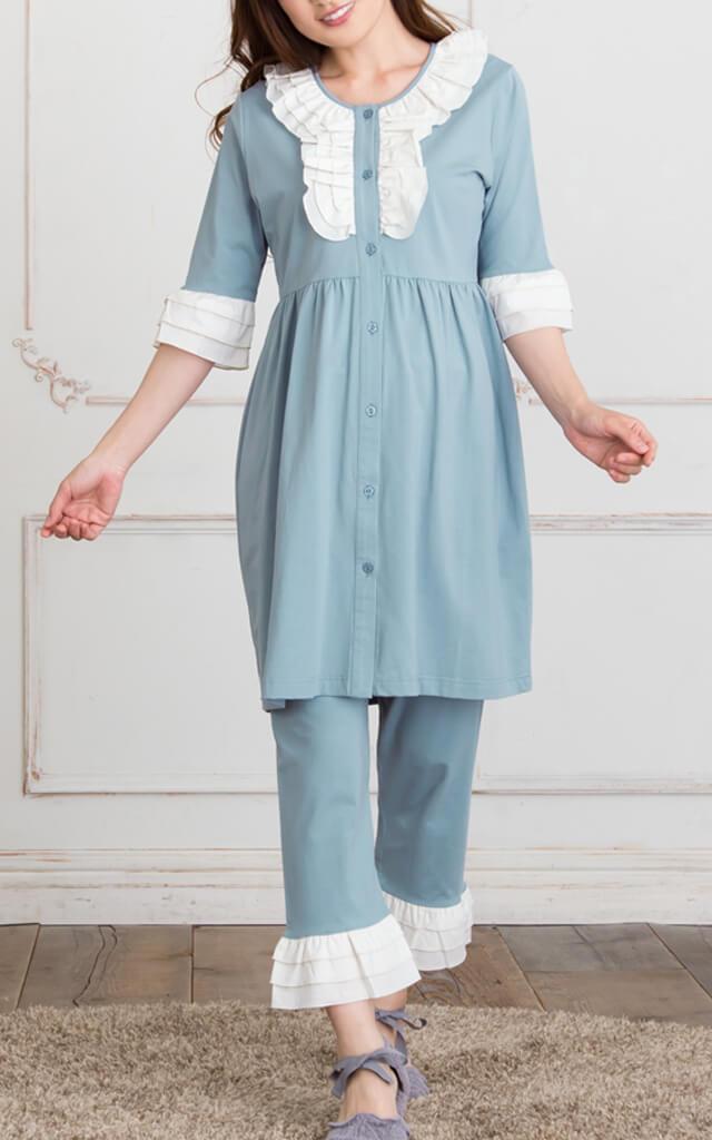 授乳機能付きマタニティパジャマのモデル画像