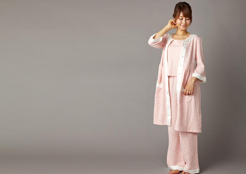産前の検診にも便利な前開きパジャマ
