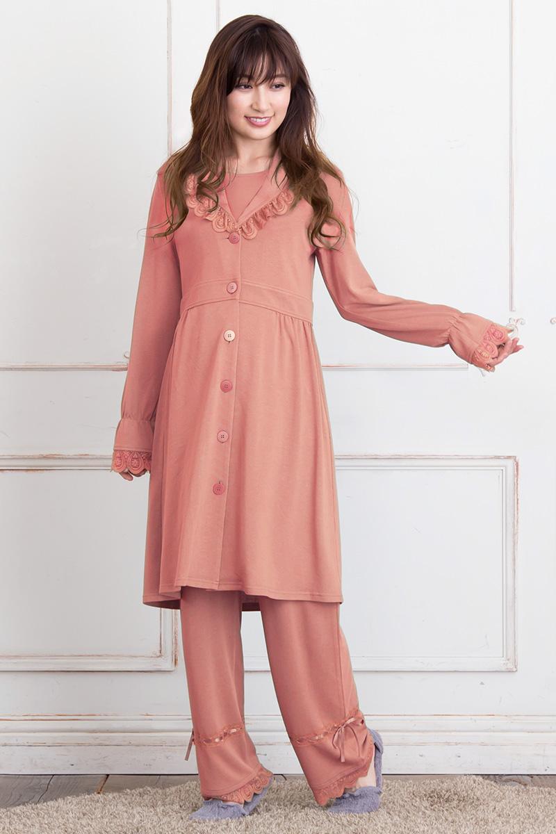 お姫様のようなデザインでインスタ映えもバッチリのおしゃれぱパジャマ