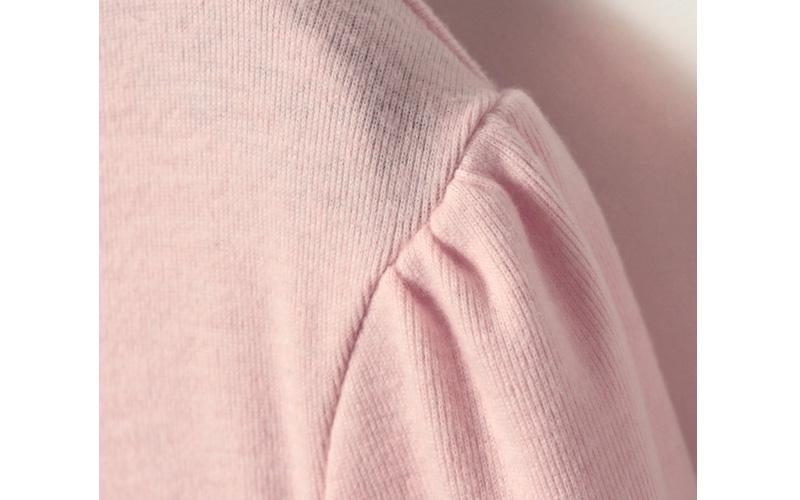 肩口の縫製アップ
