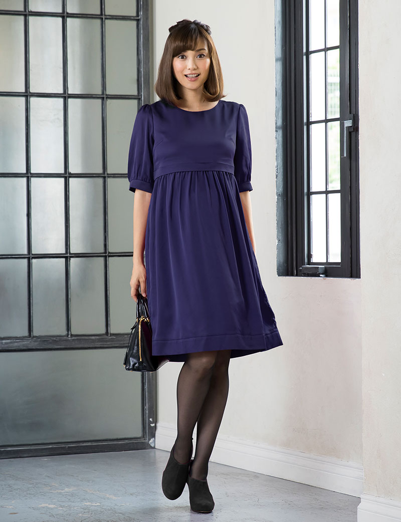 美しい素材感と軽やかな着心地のマタニティドレス
