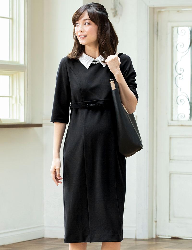 シックなブラックドレス