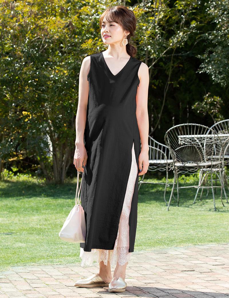 ストンとシンプルで体型カバー&きれいめに着られる、ゆるトレンドなママワンピ