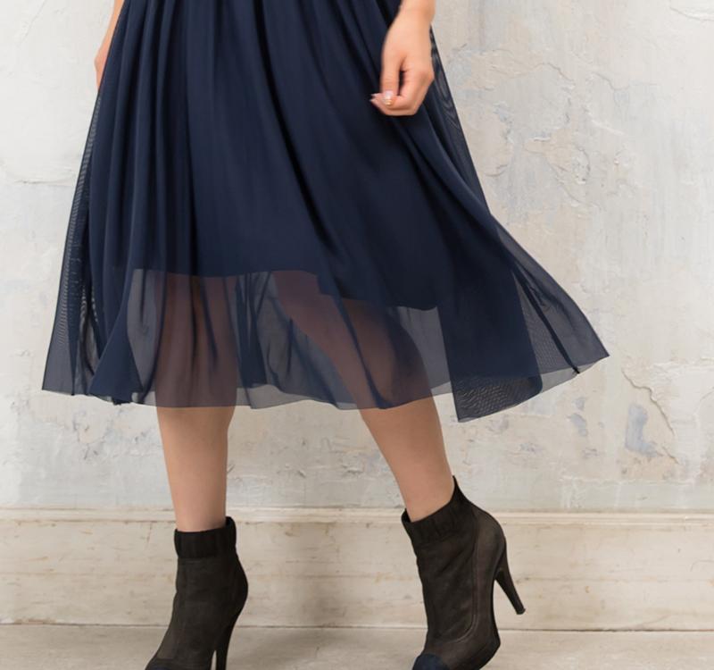 透けずに安心のスカート部分