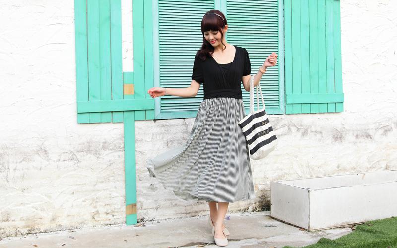 ふんわりと舞うスカートが大人かわいいチュールレース授乳服