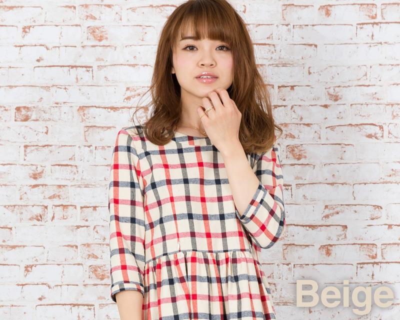 優しい色合いで女性らしい印象の授乳服ワンピース