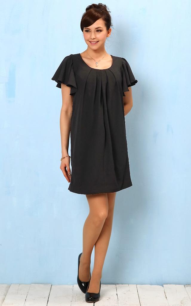 フォーマルなシーンにもおすすめのシンプル授乳服ドレス
