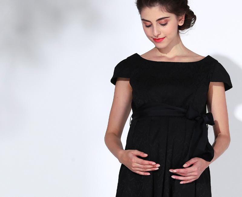 妊娠中も安心のマタニティウェアドレス