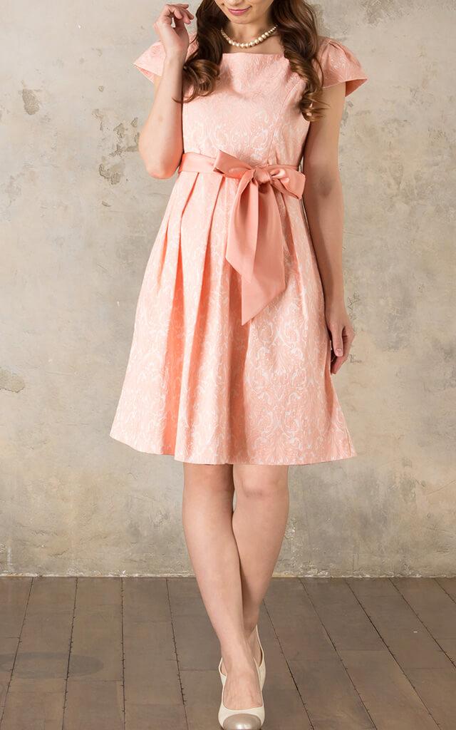 プリンセスラインの授乳服ドレス