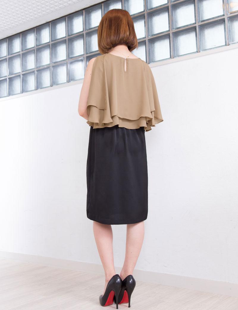 春らしい淡い色合いのピーチは華やかなフォーマル授乳服ドレスとしておすすめ