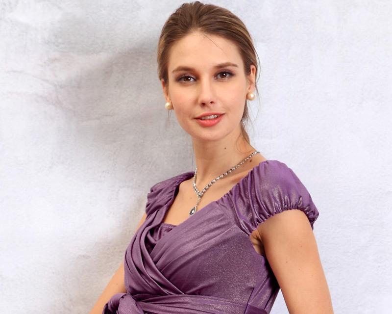 エレガント授乳服ドレスのバストアップ
