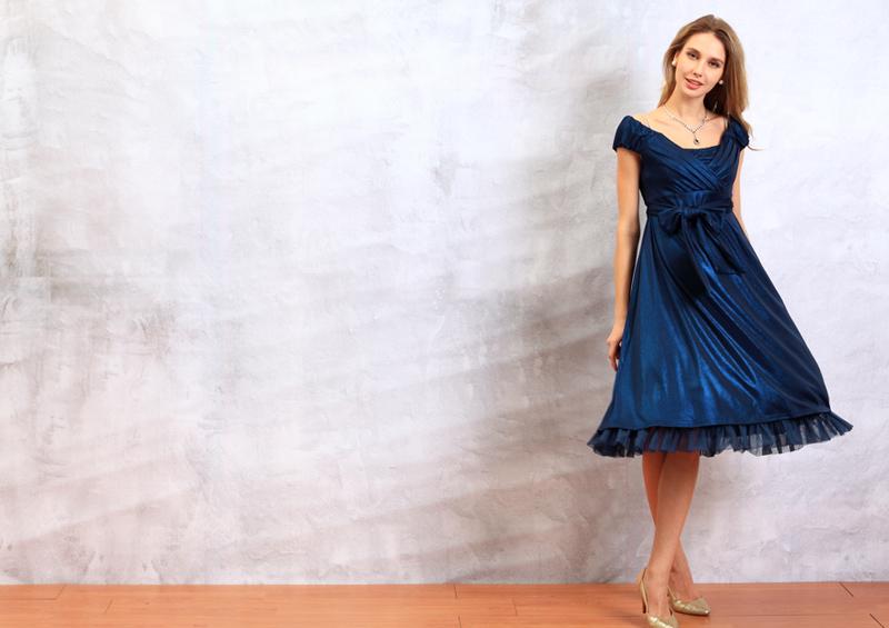 エレガント授乳服ドレスのネイビー全身