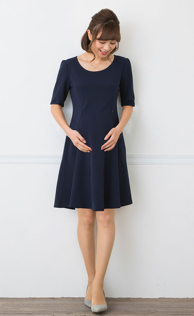 ボーダー授乳服ワンピースのモデル画像