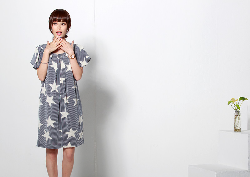 星柄授乳服ワンピースのネイビーイメージ画像