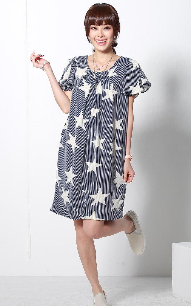 星柄授乳服ワンピースのモデル画像
